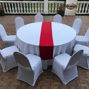 Raudonos spalvos stalo takeliai