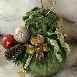 Žalios spalvos Kalėdiniai žaisliukai