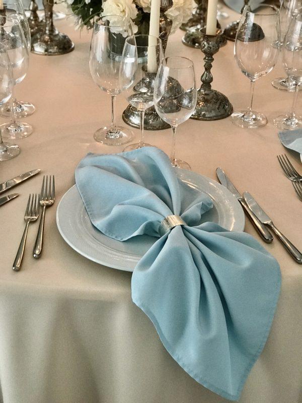 Žydros spalvos stalo servetėlė
