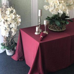 Bordo spalvos stačiakampė staltiesė